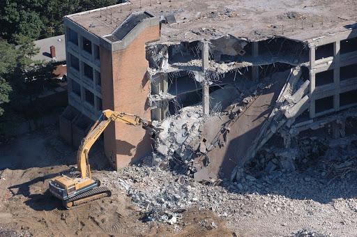 Демонтаж домов, зданий Киев