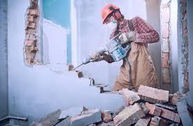 Демонтаж в строительстве